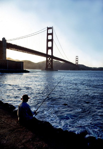 Angler am Fusse der Golden Gate BrŸcke